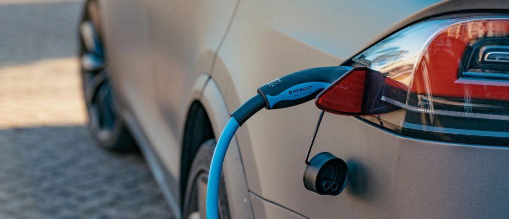 Typy wtyczek w kablach do ładowania aut elektrycznych